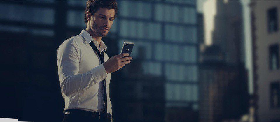 BlackBerry-KEYone-life-style-3