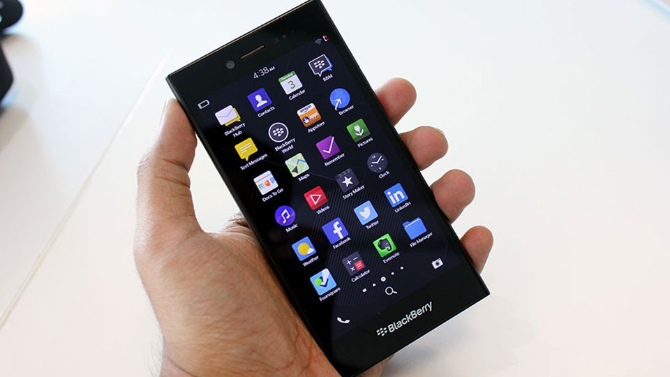 BlackBerry-Leap-handset