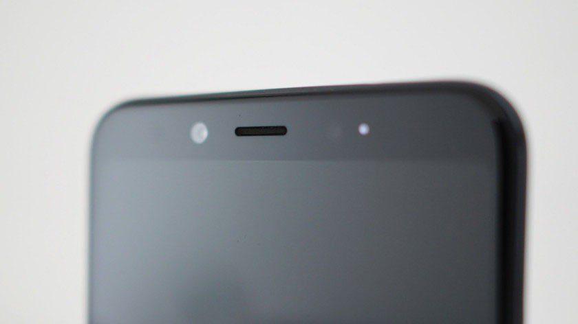 Xiaomi-Mi-A2-front-facing-cmera